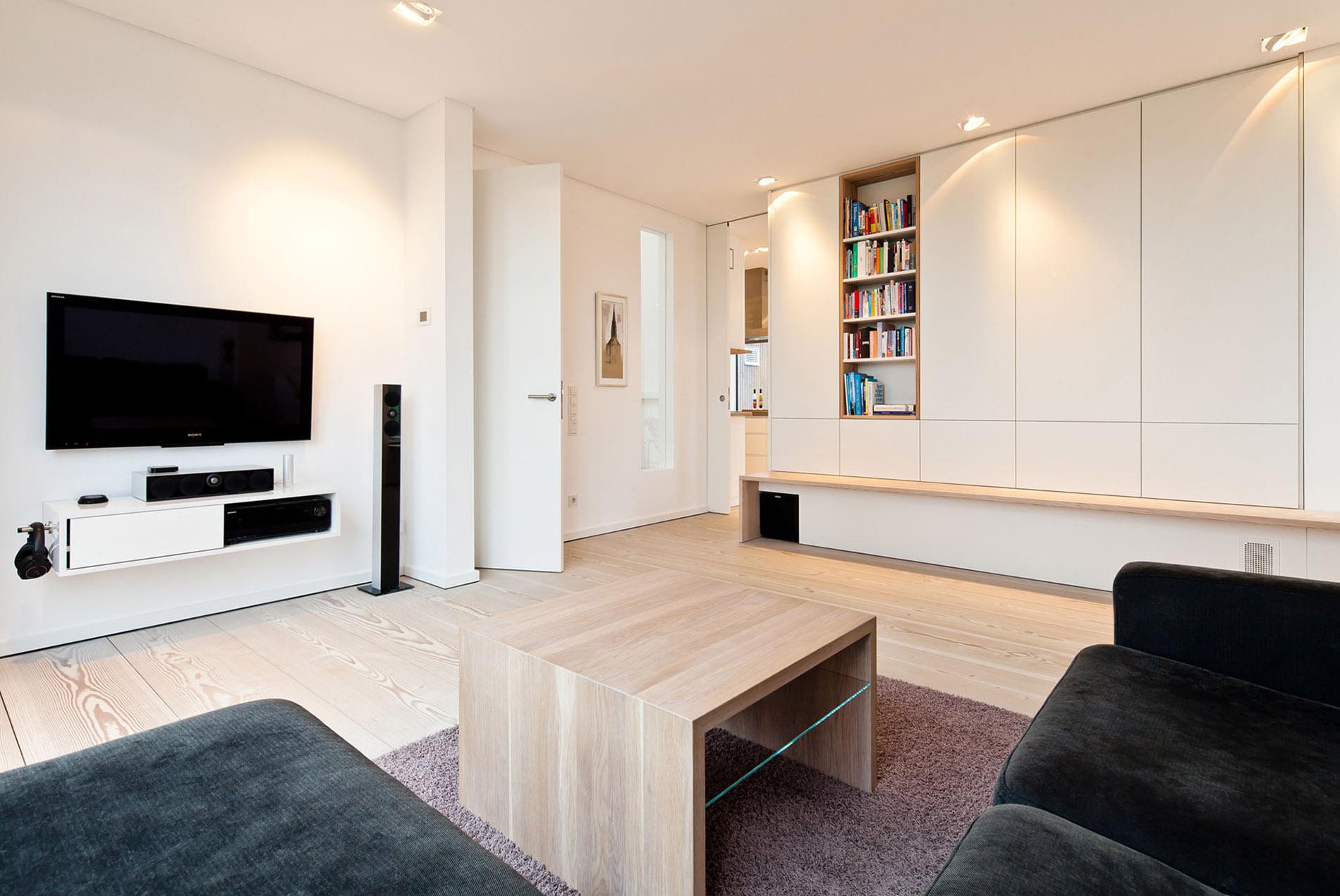 Modernes Wohnzimmer In Naturtonen Mit Einbauschranken Tischlerei