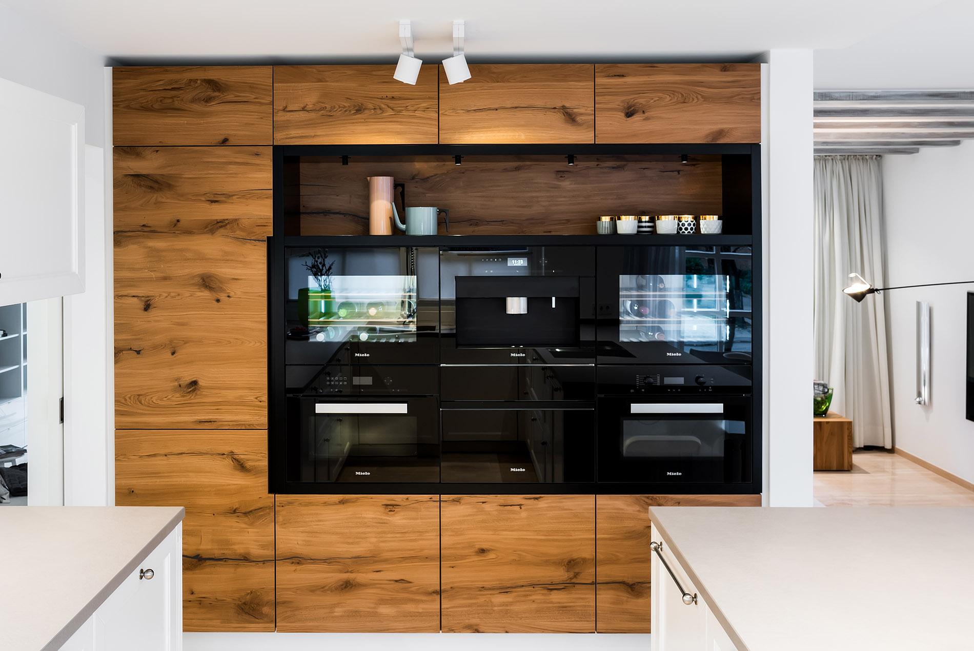 Offene Landhaus-Küche, modern und zeitlos - Tischlerei Schöpker