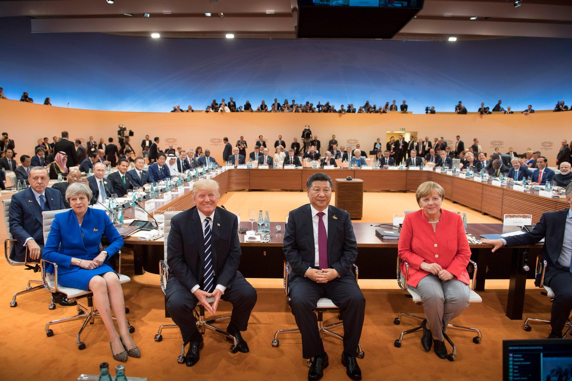 Tischlerei Schöpker - Tabletts für den G20-Gipfel